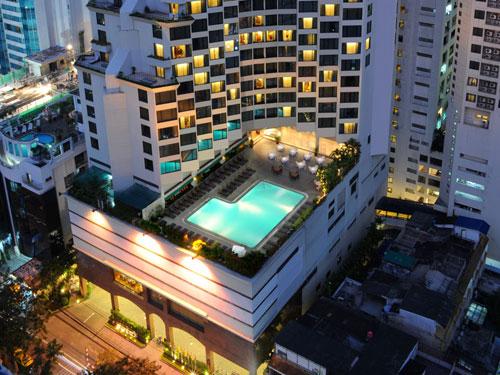 レンブラント・ホテル・バンコク・ホテルのプールサイド