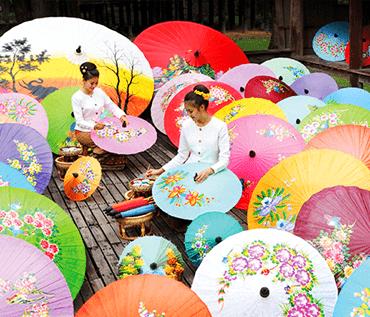 チェンマイ郊外半日昼食付き観光サンカンペーンツアー